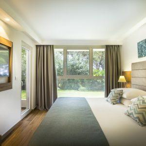 Photos_Rabac_Valamar Bellevue Resort_MockupBellevue_ Standard Family Room with balcony, sea view_9