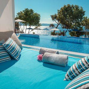 valamar-girandella-resort-infinity-pool-detail
