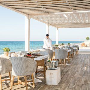 13-Tavernaki-Greek-a-la-Carte-Restaurant_72dpi