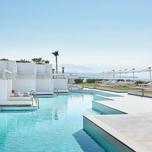 40-Lux-Me-Swim-Up-Bungalows-with-sharing-pool-and-sea-views_72dpi