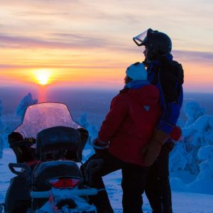 Harriniva Hotels & Safaris Snowmobiles 18